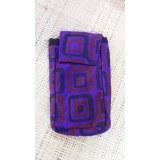 Housse mobile motif carrés violet
