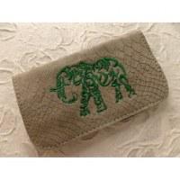 Blague à tabac grise éléphant vert