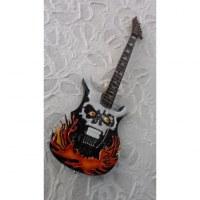 Guitare tengkorak