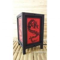 Lampe dragon noir
