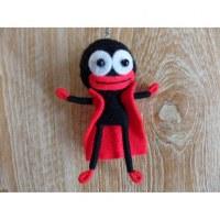 Porte clé cape man noir mains rouges