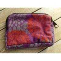 Porte monnaie violet fleurs rouges et grises