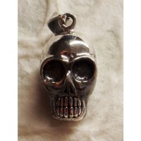 Pendentif crâne