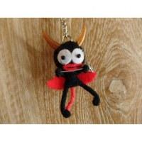 Porte clé petit diable noir à la fourche