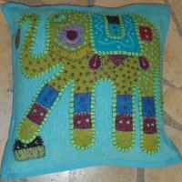 Housse carrée bleue patch éléphant