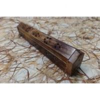 Porte et range encens en bois