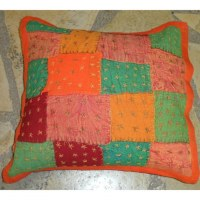 Housse carrée patchwork brodé bords orange