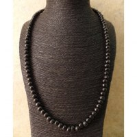 Sautoir noir en perles