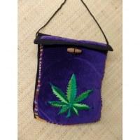 Sac velours violet ghéri brodé feuille verte bicolore