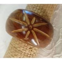 Bracelet bois clair fleur