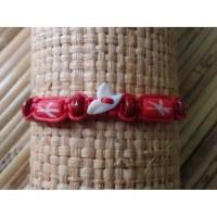 Bracelet rouge dent de requin