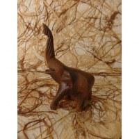 Petit éléphant sculpté en bois