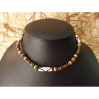 Collier gelombang perles résines et bois