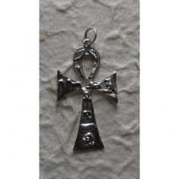 Pendentif croix ansée