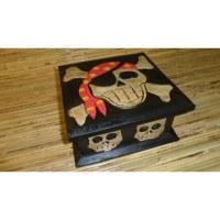 Boîte carrée pirate