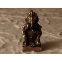 Ganesh un genou à terre