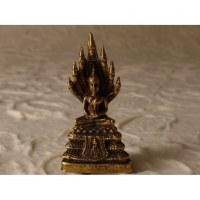Bouddha assis sur son trône