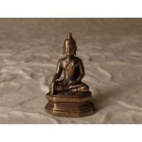 Miniature grise Bouddha en méditation