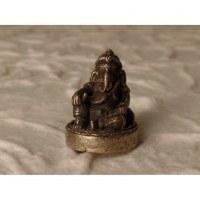 Ganesh assis jambe gauche repliée 2