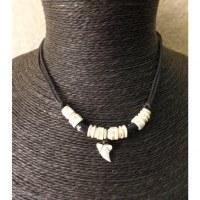 Tour de cou squale perles os gravés
