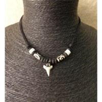 Tour de cou squale perles motifs spirales
