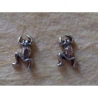 Clous d'oreilles grenouille