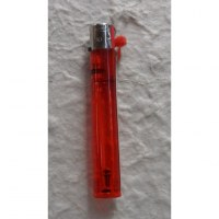 Briquet jetable tube rouge