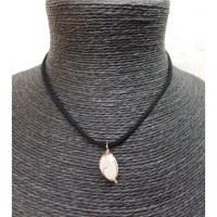 Collier cordon pendentif quartz rose