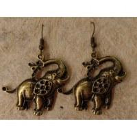 Boucles d'oreilles éléphant trompe en l'air