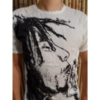 Tee shirt blanc Bob Marley fumant