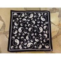 Bandana noir et blanc yin yang