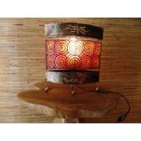 Lampe métal et résine orange