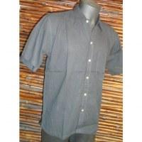 Chemise noire à boutons