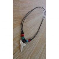 Collier perles bleues et rouges mako