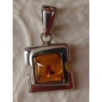 Pendentif carré argent et ambre 2