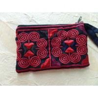 Porte monnaie noir brodé rosa rouge