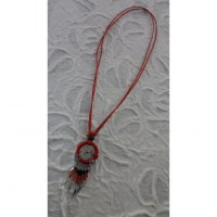 Collier attrape rêves iskwaaw rouge