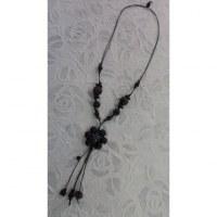 Sautoir fleur noire