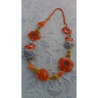 Sautoir fantaisie fleurs oranges