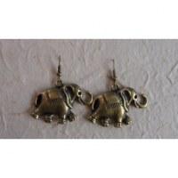 Boucles d'oreilles les éléphants