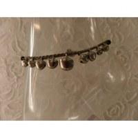 Bracelet de cheville gris grelots argentés