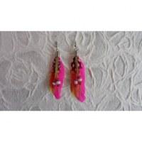 Boucles d'oreilles tite plume rose fluo