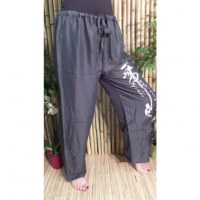 Pantalon gris Vientiane calligraphie chinoise