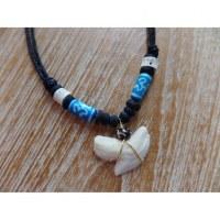 Collier perles bleues Aum medewi