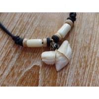 Collier perles blanches medewi