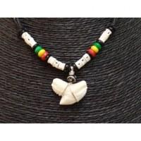 Collier Caraïbes perles rasta et dent de requin tigre