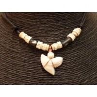Collier Caraïbes perles bâtons étoiles et dent de requin tigre