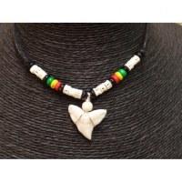 Collier Bahamas perles rasta et dent de requin blanc