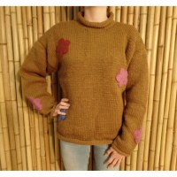 Pull marron Pekapeka flowers