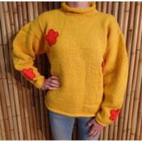 Pull jaune Pekapeka flowers